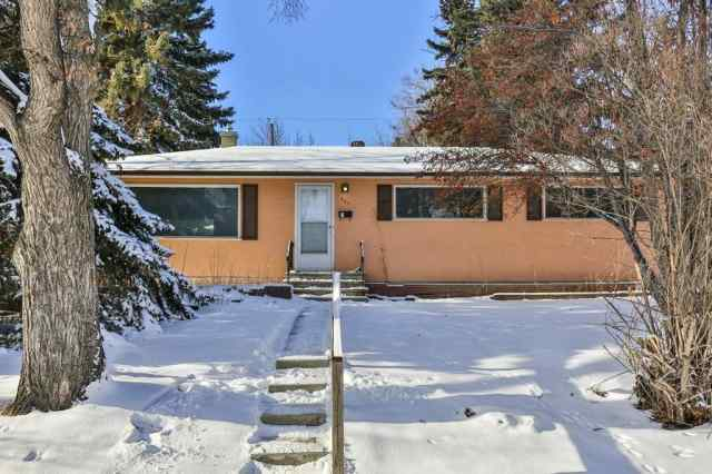 Highwood real estate 107 HARTFORD Road NW in Highwood Calgary