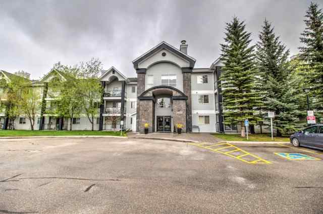 Queensland real estate 209, 2022 CANYON MEADOWS Drive SE in Queensland Calgary