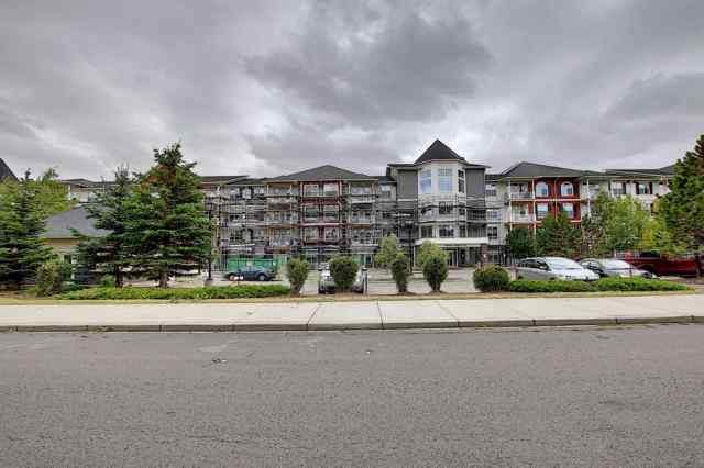 Unit-108-1 CRYSTAL GREEN Lane  in Crystal Shores Okotoks MLS® #A1029300