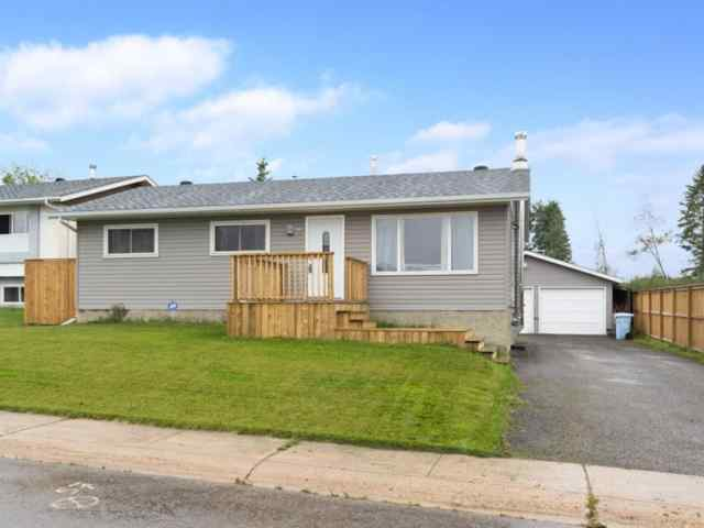 Beacon Hill real estate 141 BEAUMONT Crescent in Beacon Hill Fort McMurray