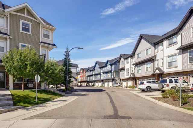 63 NEW BRIGHTON Point SE T2Z 1B6 Calgary