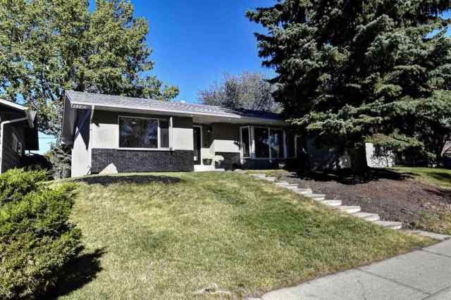 MLS® #A1032566 219 PARKWOOD Close SE T2J 3V7 Calgary