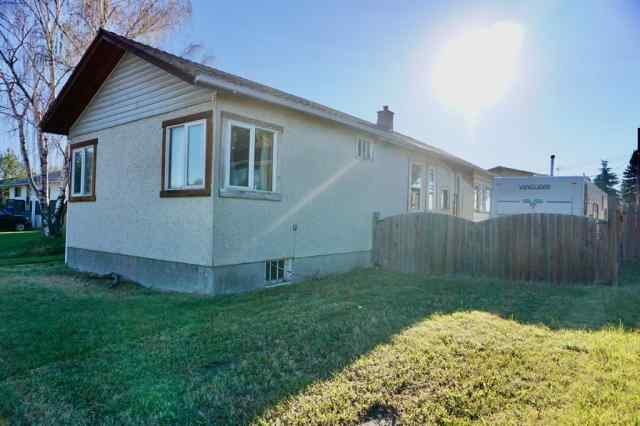 Forest Lawn real estate 1105 39 Street SE in Forest Lawn Calgary