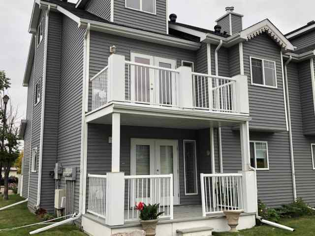 901, 5220 50a Avenue in Downtown Sylvan Lake MLS® #A1033244