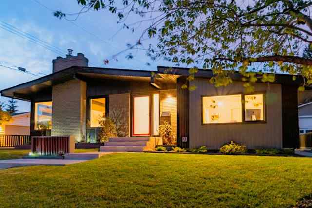 5735 LADBROOKE Drive SW in Lakeview Calgary