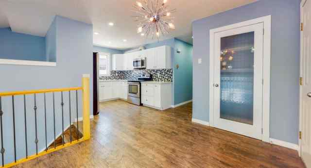 MLS® #A1033634 6922 LAGUNA Way NE  T1Y 6W2 Calgary