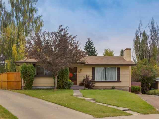 631 CANTRELL Place SW in Canyon Meadows Calgary MLS® #A1034249