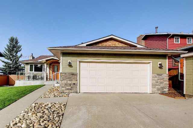 Silver Springs real estate 6103 84 Street NW in Silver Springs Calgary