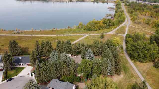 Bayview real estate 1804 BAY SHORE Road SW in Bayview Calgary