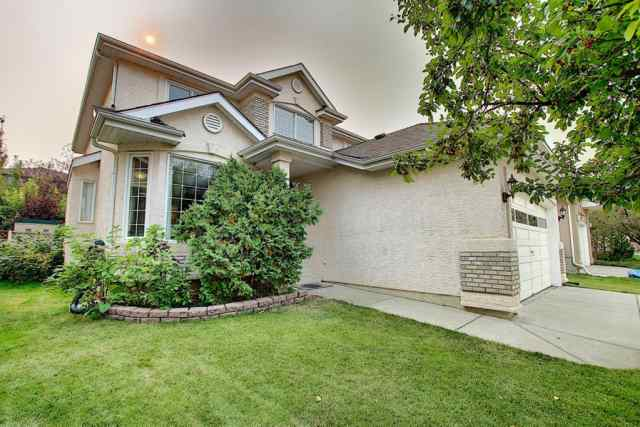 90 Mt Assiniboine Circle in  Calgary MLS® #A1035318