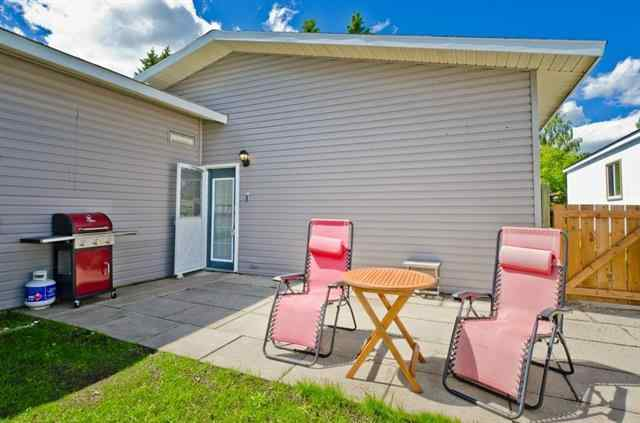 MLS® #A1035380 823 BAY Road T1P 1E3 Strathmore