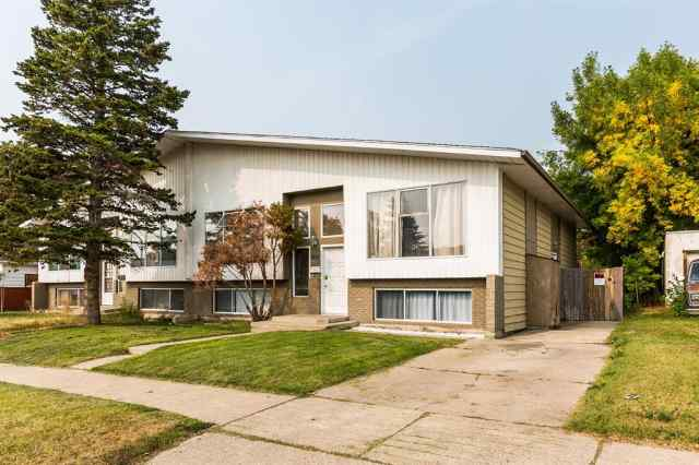 real estate 1807 7 Avenue N in  Lethbridge
