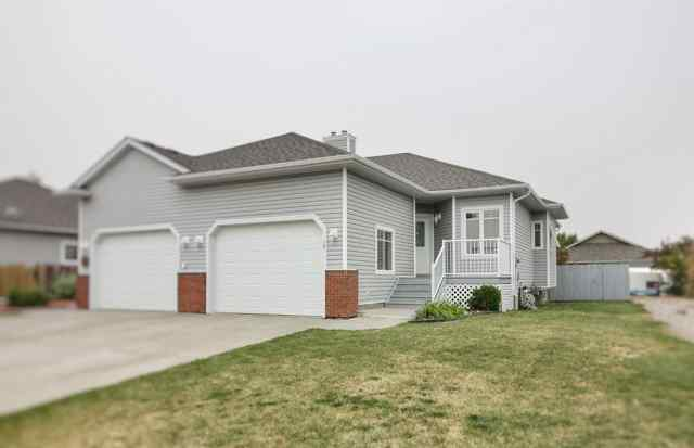 NONE real estate 29 Skyline  Mews W in NONE Claresholm
