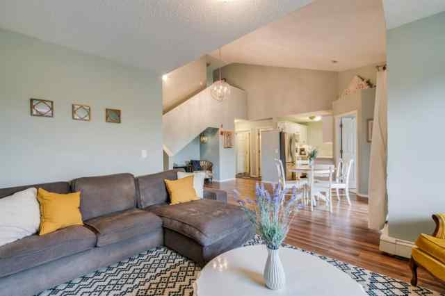 MLS® #A1035757 304, 7724 BOWNESS Road NW T3B 0H1 Calgary