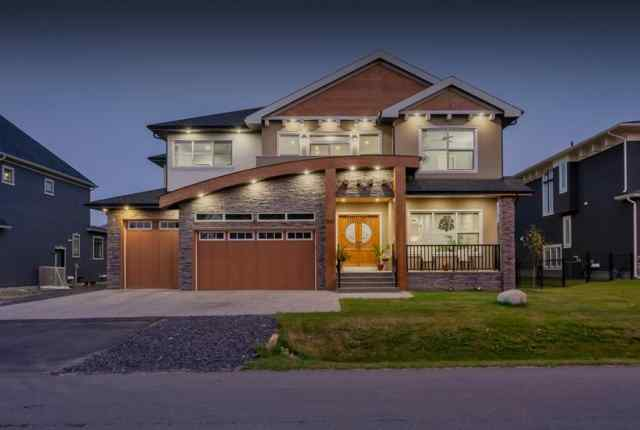 Kinniburgh real estate 880 EAST LAKEVIEW Road in Kinniburgh Chestermere