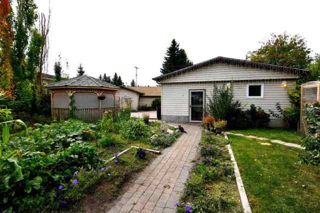 12 49  Street Close in NONE Alix MLS® #A1035915