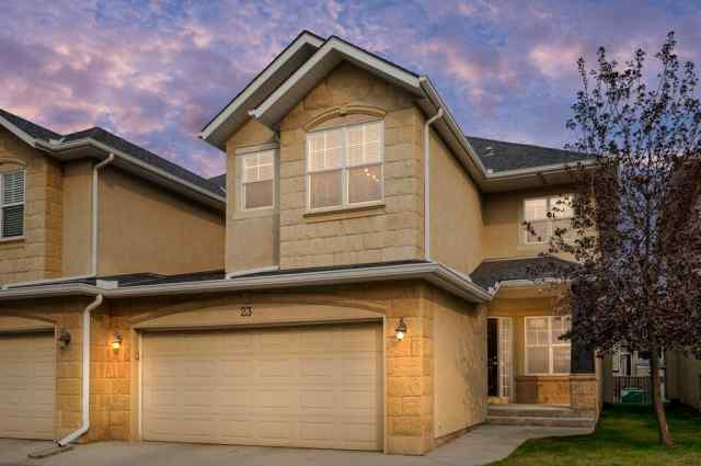 23, 39 Strathlea Common SW in  Calgary MLS® #A1036535