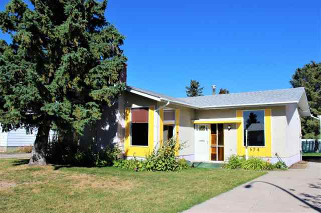 51 Avenue  in NONE Claresholm MLS® #A1036755