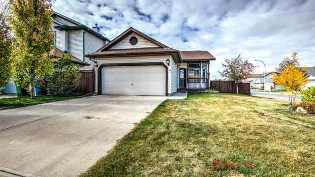 31 Fairways  Drive NW in Fairways Airdrie MLS® #A1037295