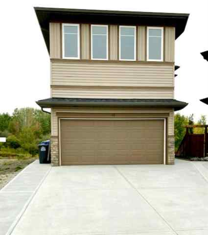 The Willows real estate 45 WILLOW Court in The Willows Cochrane