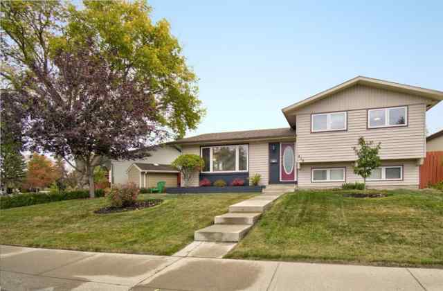 416 PENBROOKE Crescent SE in  Calgary MLS® #A1037491