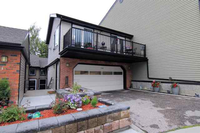 14, 448 Strathcona Drive SW T3H 1M3 Calgary