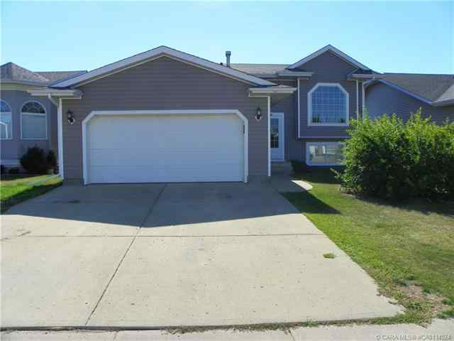 13 Lansbury Close in Lincoln Park Lacombe