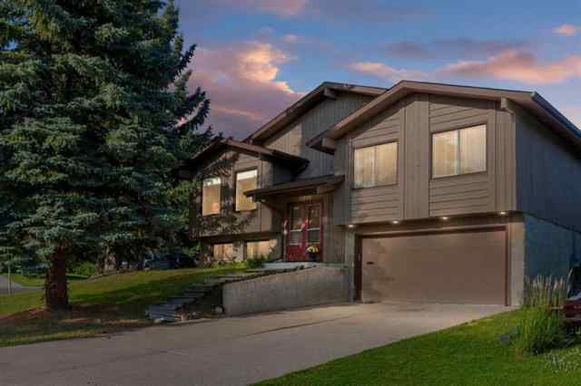 Silver Springs real estate 6216 84 Street NW in Silver Springs Calgary