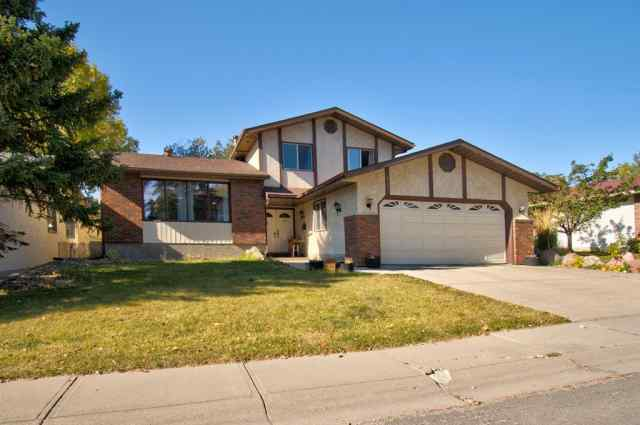 Silver Springs real estate 6207 84 Street NW in Silver Springs Calgary