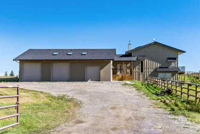 113150 2453 Drive E T1V 1N3 Rural Foothills County