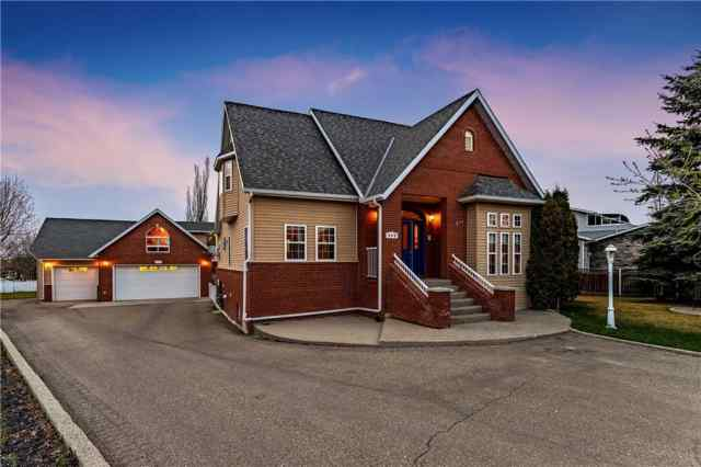 809 EAST LAKEVIEW Road T1X 1B1 Chestermere