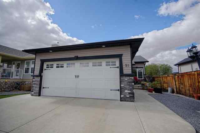 Riverstone real estate 32 Rivermill Landing W in Riverstone Lethbridge