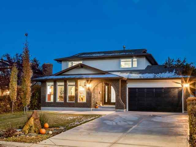 Silver Springs real estate 211 Silvergrove Place NW in Silver Springs Calgary