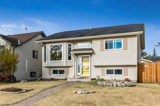 148 Shawfield Way SW in Shawnessy Calgary