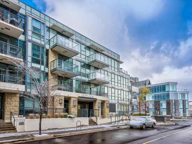 113, 51 Waterfront  Mews SW  T2P 0X3 Calgary
