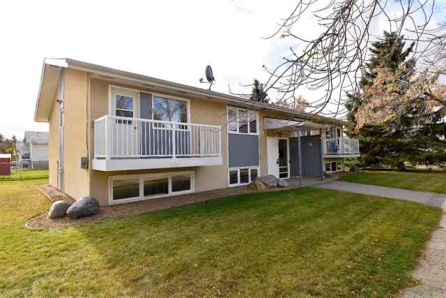 Mount Pleasant real estate 6011 44 Avenue in Mount Pleasant Camrose