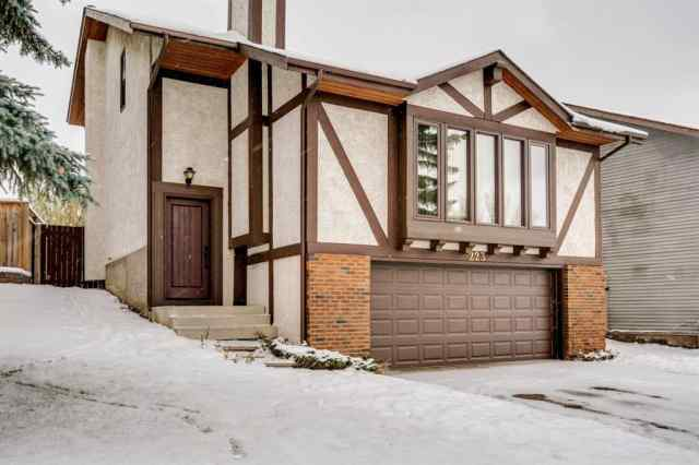 223 Coachwood Crescent SW in Coach Hill Calgary MLS® #A1045594