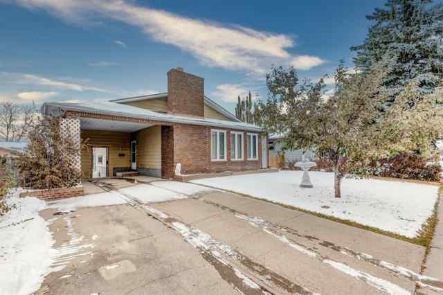 35 Thornaby Crescent NW in Thorncliffe Calgary