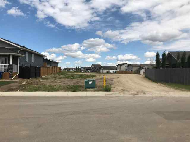 10 Valmont Street in Valley Ridge Blackfalds MLS® #A1047152
