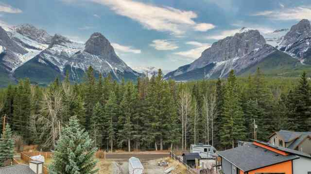 Lions Park real estate 953 13TH Street in Lions Park Canmore