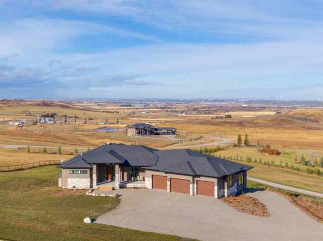 250057 Dynasty Drive  in NONE De Winton MLS® #A1047550