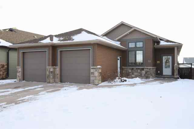 Cottonwood Estates real estate 52 Cyprus Road in Cottonwood Estates Blackfalds