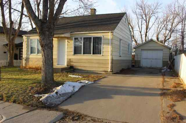 624 Highway Avenue  in NONE Picture Butte MLS® #A1050610