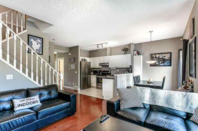 92 SIMCOE Place SW in Signal Hill Calgary MLS® #A1050843
