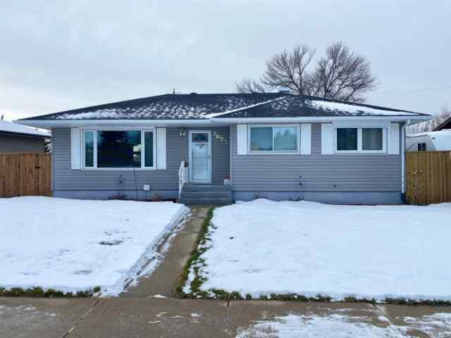 1022 Henderson Lake Boulevard S in Lakeview Lethbridge MLS® #A1050851