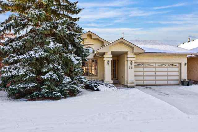 Hawkwood real estate 211 Hawkside Mews NW in Hawkwood Calgary