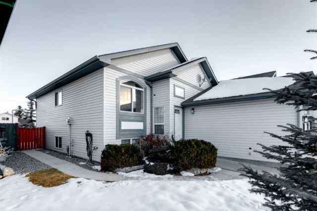 Canals real estate 71 Canoe Close SW in Canals Airdrie