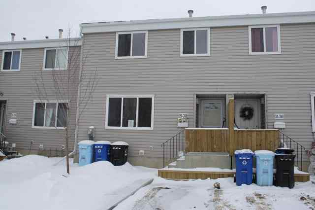 Beacon Hill real estate 29 - 701  Beacon Hill Drive in Beacon Hill Fort McMurray