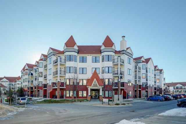 Royal Oak real estate 107, 20 Royal Oak Plaza NW in Royal Oak Calgary
