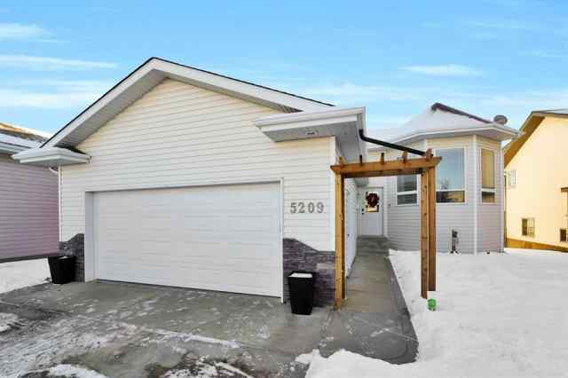 5209 Prairie Ridge  Avenue in Panorama Estates Blackfalds MLS® #A1052085